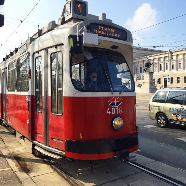 Line 1 Tram, Vienna